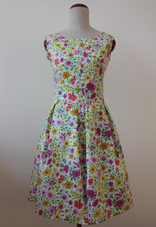 szycie, szycie ubrań, ubrania handmade, sewing, styl retro, lata 50te, making clothes