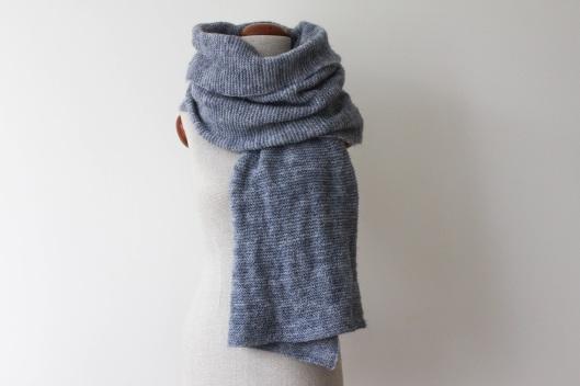 wielki zimowy szal zrobiony na drutach, szalik handmade, szal handmade, robienie na drutach, dzierganie